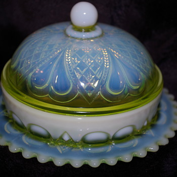 GEORGE DAVIDSON & CO PEARLINE GLASS  BUTTER DISH GATESHEAD - Art Glass