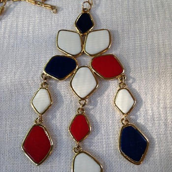 A red, white and blue enamel dangle pendant necklace  - Costume Jewelry
