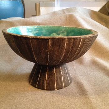 Mid century sgraffito bowl ? - Pottery