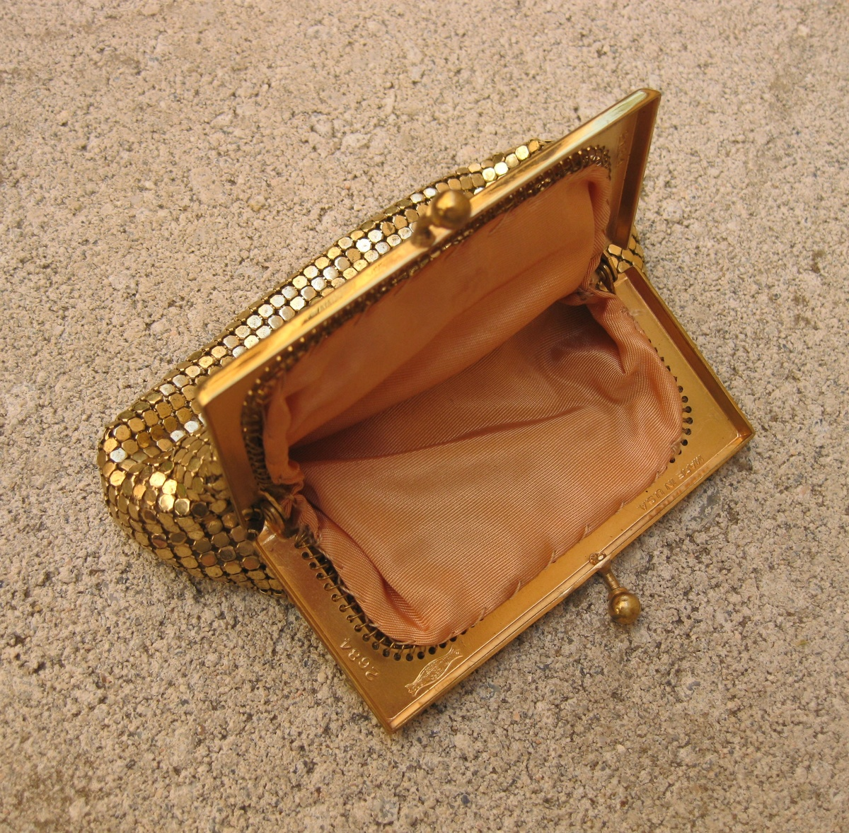 dating a whiting and davis purse
