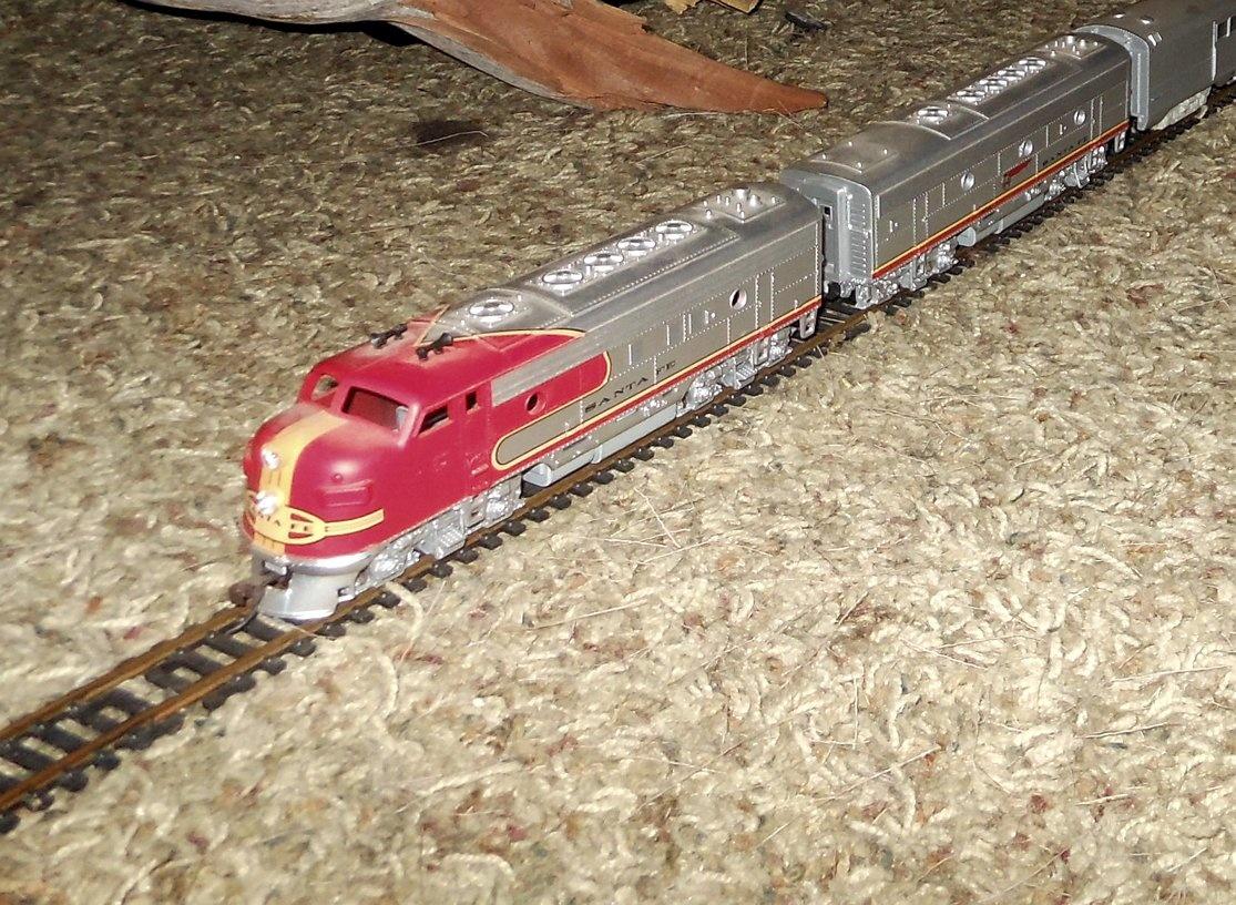 Athearn Santa Fe Super Chief HO Passenger Train | Collectors