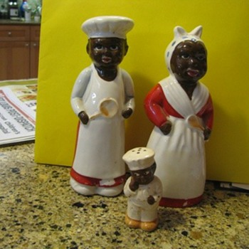 Black face salt and pepper shakers - Kitchen