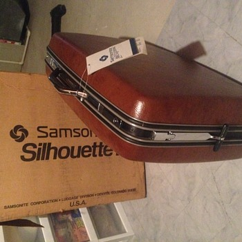 """New with tags attached Samsonite Silhoutte 3 26"""""""
