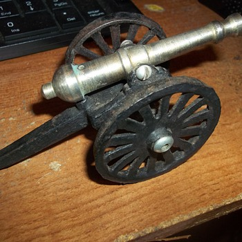 Miniature Black Powder Cannon - Military and Wartime