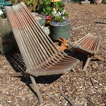 Mid-century Folding Teak Garden Furniture - Mid-Century Modern