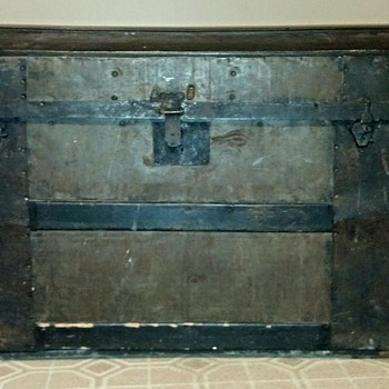 My first trunk! So excited but so many questions! All info much appreciated!!! - Furniture