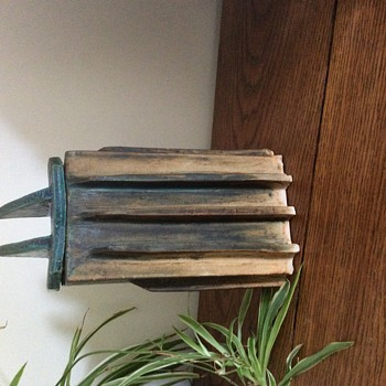 Weird pot with sharp shark like lines - Pottery