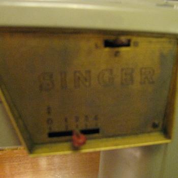 singer sewing machine   1957 - Sewing