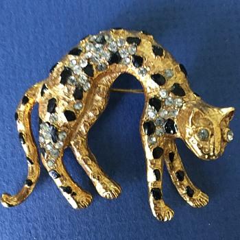 Vintage Rhinestone Figural Cheetah Brooch - Costume Jewelry