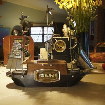 """1938 Pennwood """"Clipper"""" - Clocks"""