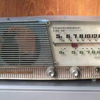 MITSUI Japan Short Wave Transistor Radio