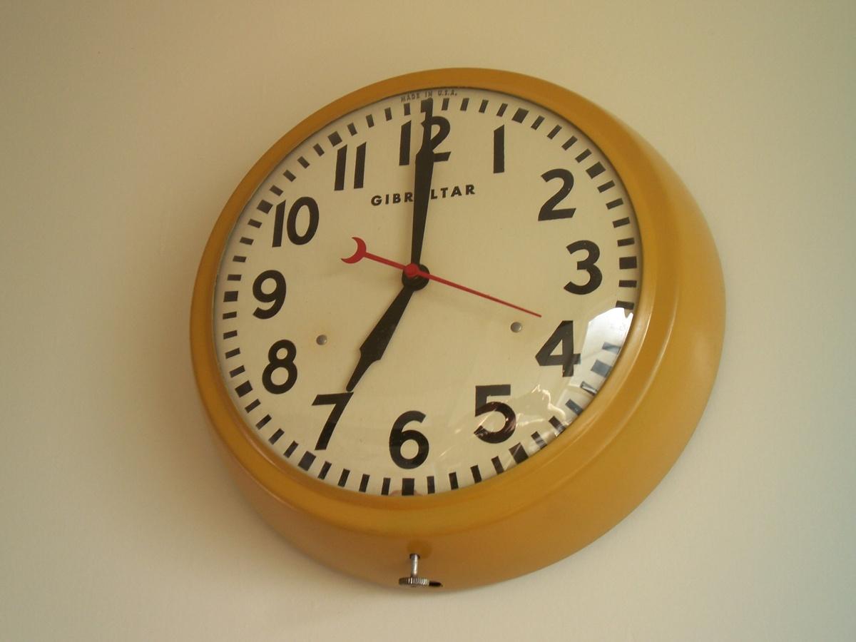Gibraltar Kitchen Clock | Collectors Weekly