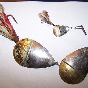 OLD FISHING LURES,PFLUEGER SPINNERS