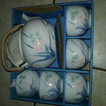 Mitsukoshi  6pc tea set - Asian
