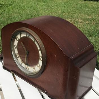 1948 Simsbury Seth electric westminstead chime - Clocks