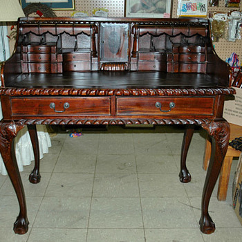 Old desk with hidden drawers - Furniture