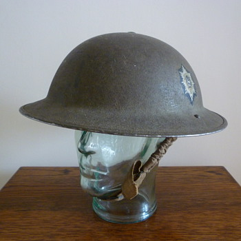 British WWII Worcestershire Regiment steel helmet.
