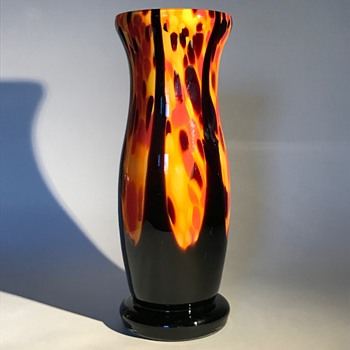 Welz vase - Orange/yellow spatter with black pulls - Art Glass