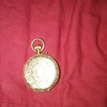 ITS A 18K GOLD POCKET WATCH UIVRE 139585 - Pocket Watches