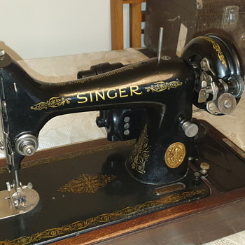 Old singers   - Sewing