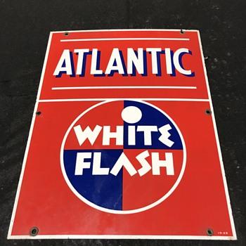 Atlantic oil company gas pump plates 1949  - Petroliana