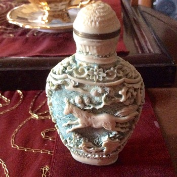 "Small Ivory figurine with carved horses (3"" tall x 2"" wide) - Bottles"