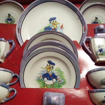 1930's Donald Duck Children's Tea Set - China and Dinnerware