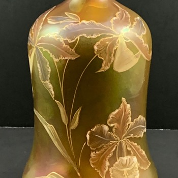 "Harrach ""Carillon"" Vase, PN 1732/2, DEK 1810, ca. 1900 - Art Glass"