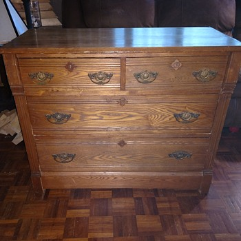 Eastlake style Chest of Drawers. Knapp joinery - Furniture