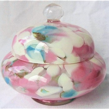 Pretty Pastel Spatter Kralik Lidded Box, UV Reactive, Bohemia. - Art Glass