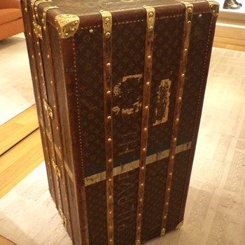 Louis Vuitton vintage wardrobe steamer truck from the 1900's - Bags