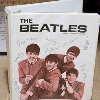 Beatles 3 ring binder...1964 - Music Memorabilia