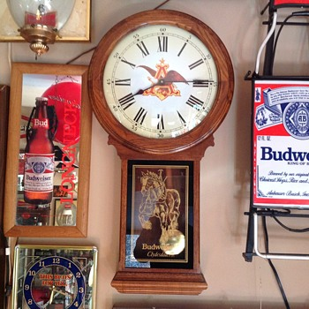 Budweiser  Pendulum clock  - Breweriana