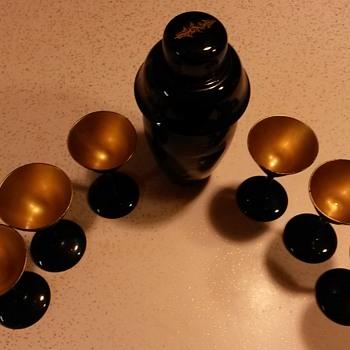Oriental shaker set. - Asian