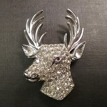 Ora deer brooch and earrings  - Costume Jewelry