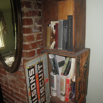 Biscuit box bookshelf - Furniture