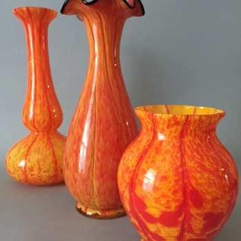 Sweet little Welz vases  - Art Glass