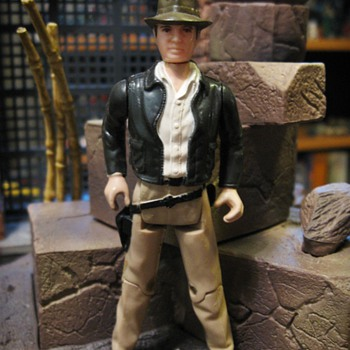Vintage Kenner Indiana Jones Figures - Toys