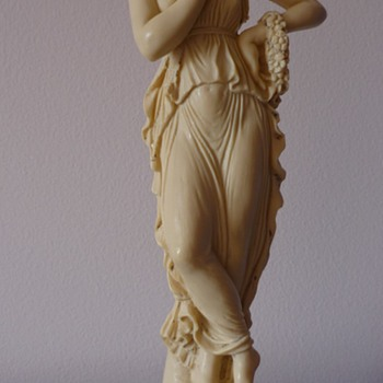 Yet another Grecian Goddess! - Figurines