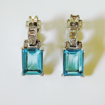 Vintage Trifari Earrings - Costume Jewelry