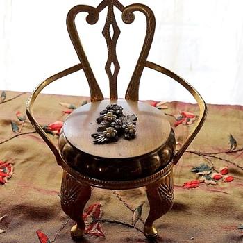 'Original by Robert' compact chair.