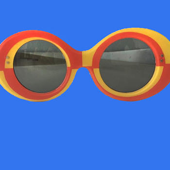 Vintage 1960s MOD Psychedelic Sunglasses by Harlequin