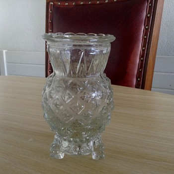 3 legged Little vase