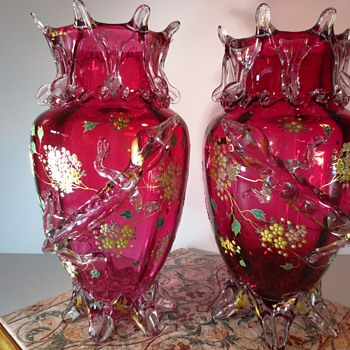 Stephen & Williams ? Glass Vases with applied Lizards - Art Glass