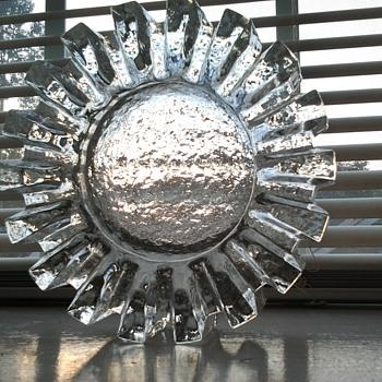 """glass """"cog"""" ashtray - Tobacciana"""