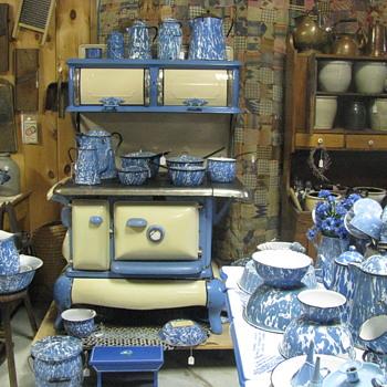 Graniteware Display - Kitchen