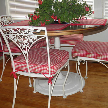 My Find of the Century,6 Wrought Iron Chairs with a Matching Table - Furniture