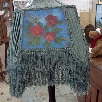 Lovely Vintage Floor Lamp with Beautiful Shade - Lamps