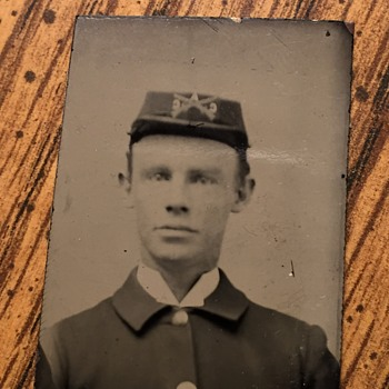 Civil War Infantry Soldier Tintype Photograph - Military and Wartime