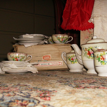 Old Toy Tea Sets  - China and Dinnerware